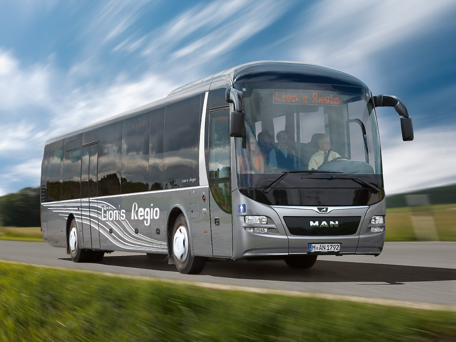 the 6 best european intercity buses of 2016 prodrivers ireland. Black Bedroom Furniture Sets. Home Design Ideas