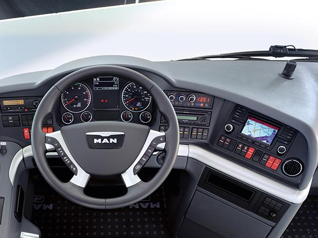 Cockpit für Bus-Piloten - MAN Lion´s Coach | MAN Bus ...