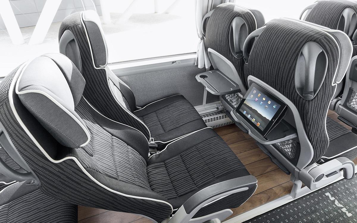 Комфортные сиденья с креплением планшета и USB-разъемом